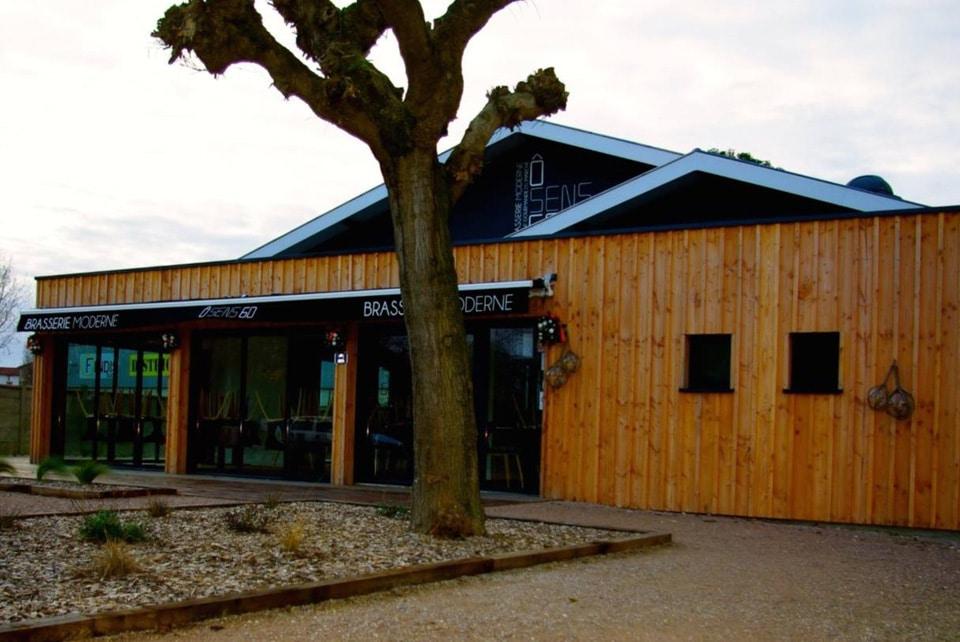 Extension en bois d'une façade extérieure