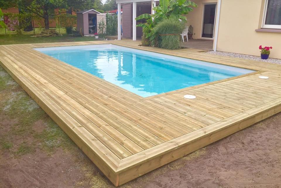 Réalisation d'une terrasse avec piscine en bois de sapin